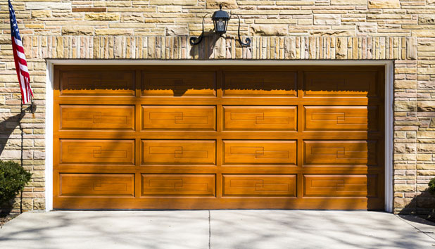 Wooden garage door Washington
